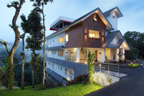 Blanket hotel and spa Munnar